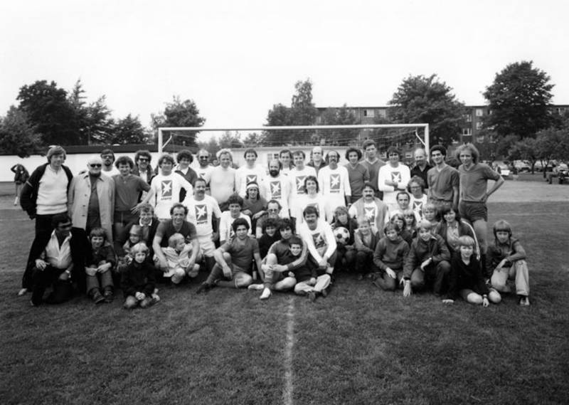 Cuneo-Fussball Cuneo und Stern-Team
